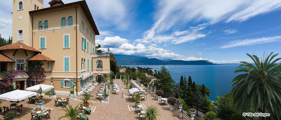 luxury hotel luxury hotels 5 star hotels luxury resorts. Black Bedroom Furniture Sets. Home Design Ideas